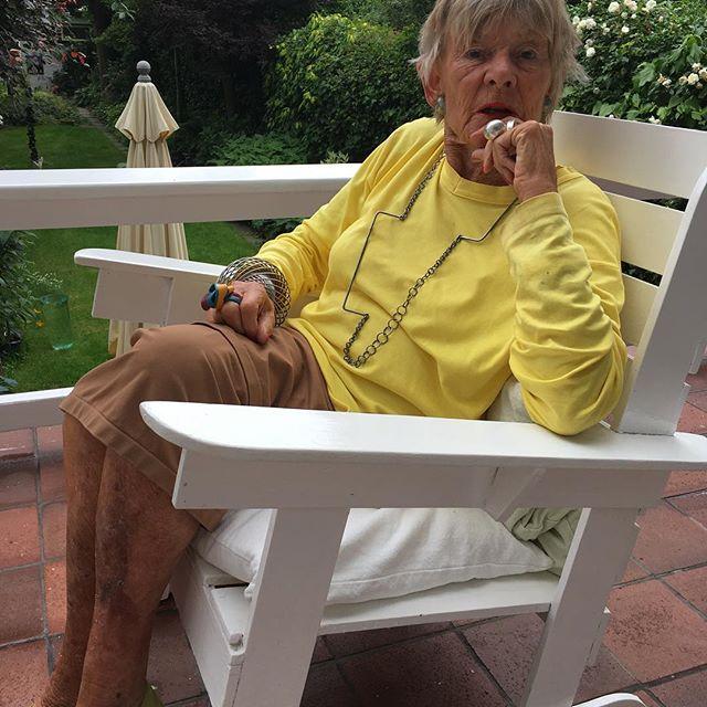 Threes Moolhuysen-Coenders draagt Rebekah Frank, 2018. Foto met dank aan Liesbeth den Besten©