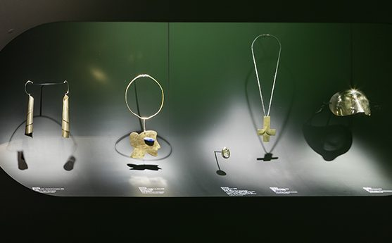 Man Ray. De Calder à Koons, 2018. Foto met dank aan Musée des Arts Décoratifs Parijs, Luc Boegly©