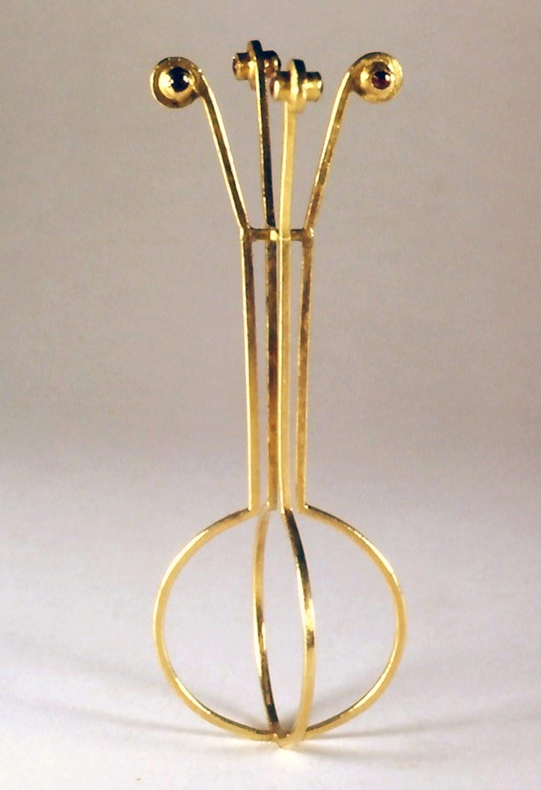 Francesca di Ciaula, Flower's vase, ring, 1987. Collectie Museum Arnhem. Foto met dank aan Francesca di Ciaula©