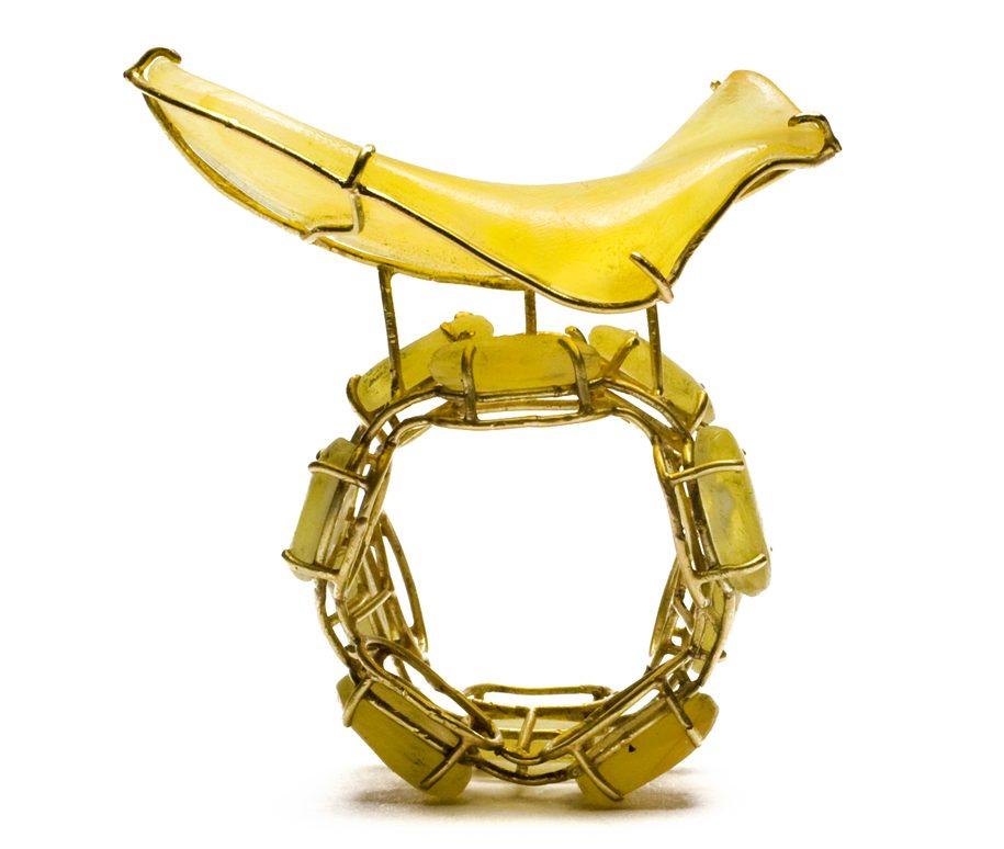 Philip Sajet, Potato Chip Ring, ring, 2015. Foto met dank aan Velvet da Vinci©