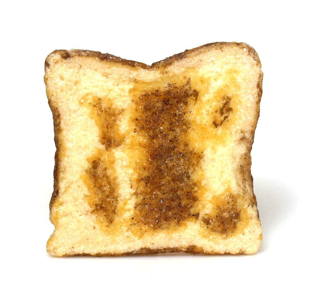 Gisbert Stach, Golden Toast, broche, 2013. Foto met dank aan Velvet da Vinci©