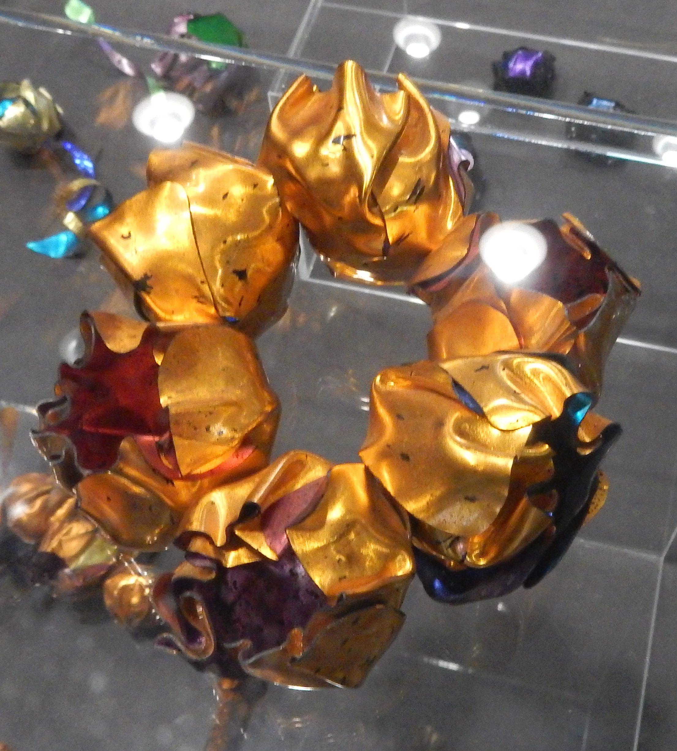 Geoff Roberts, armband, 1980-1989. Show yourself, Design Museum Den Bosch, 2018, Collectie Yvònne Joris (2018 Collectie DMDB, S2018.294). Foto Esther Doornbusch, 28 augustus 2018, CC BY 4.0