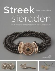 Omslag Streeksieraden, 2018, Foto met dank aan Nederlands Openluchtmuseum©