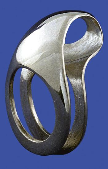 Bernard Laméris, Intime, ring, 1990. Foto Rinus van Schie, zilver