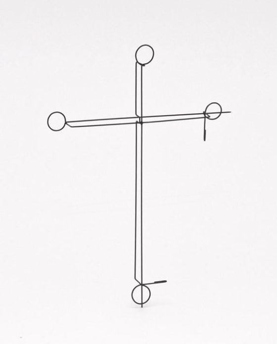 Junwon Jung, 2 Pins 03, broche, 2015. Foto met dank aan Galerie Marzee©