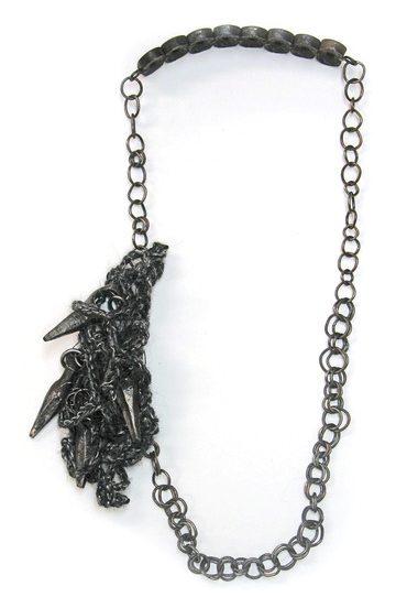 Rebekah Frank, Forged Necklace, halssieraad, 2014. Foto met dank aan Rebekah Frank©