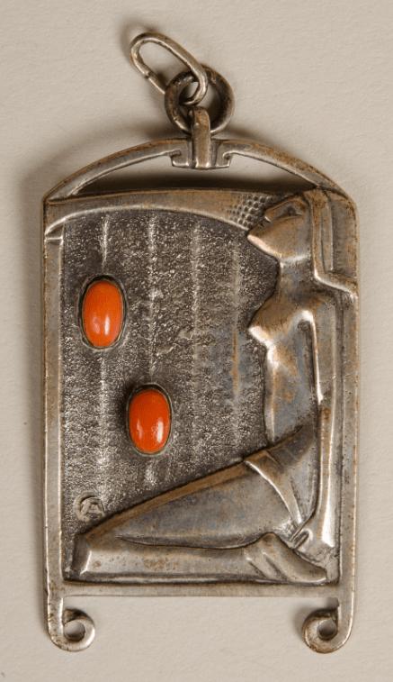 Cris Agterberg, hanger, 1920-1930. Collectie Centraal Museum, 24760. Foto met dank aan Centraal Museum©