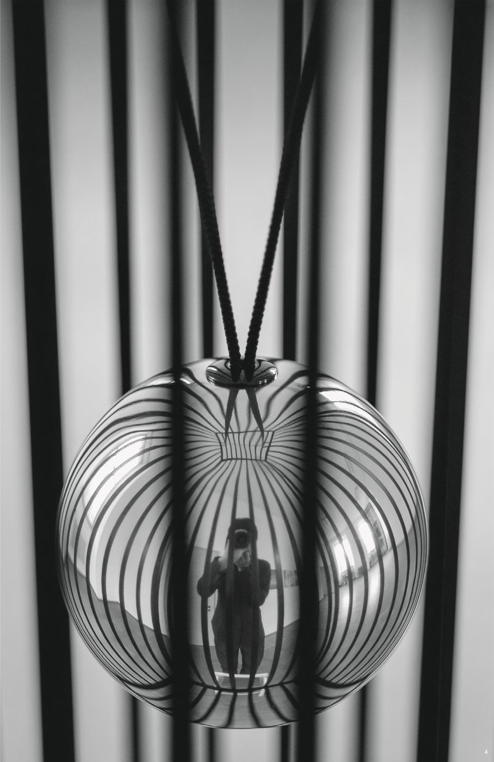 Jiro Kamata, Extrovert, halssieraad, 2006, aluminium, koord