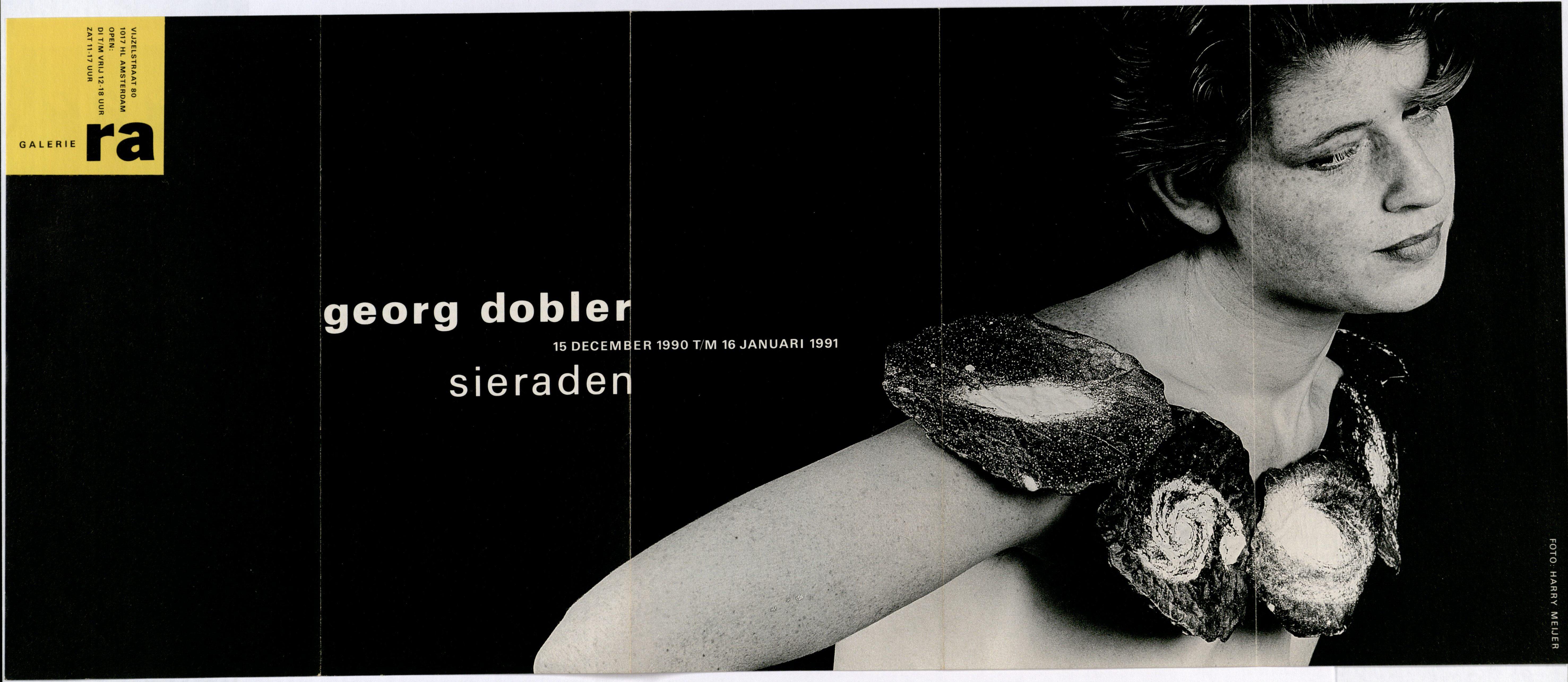 Ra Bulletin 58, december 1990, voorzijde met foto van Harry Meijer met halssieraad van Georg Dobler, drukwerk, papier