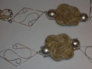 Chequita Nahar, halssieraad, 2006, Cross Over, metaal, touw