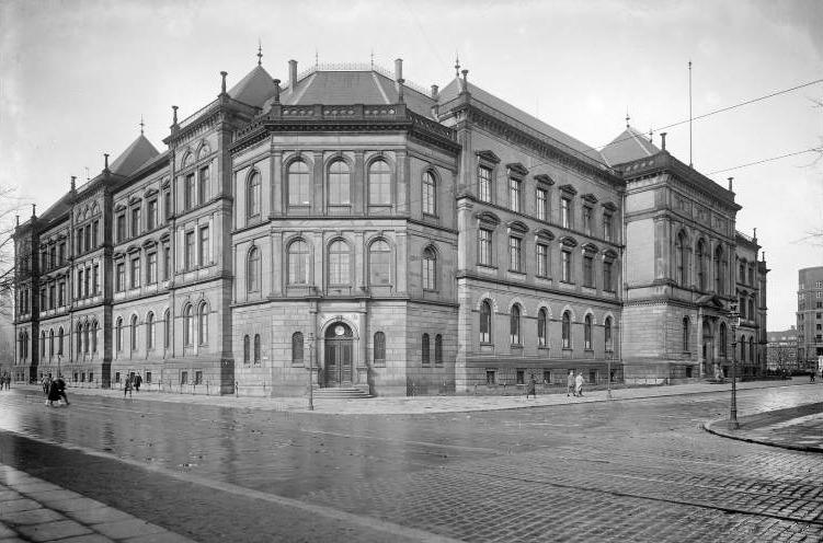 Museum für Kunst und Gewerbe Hamburg, gebouw, exterieur