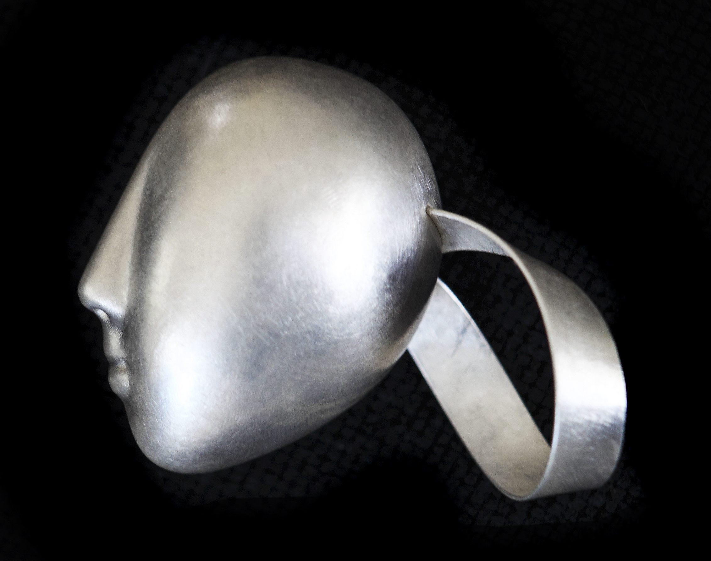 Margareth Sandström, ring, 2001, zilver