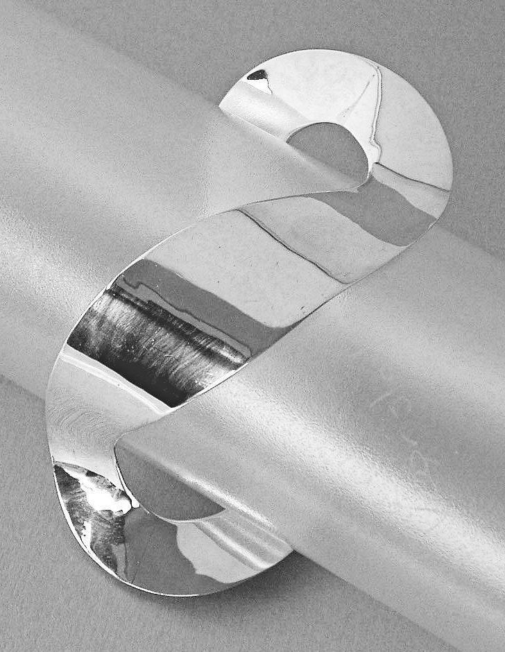Joke Gallmann, armband, 1967. Particuliere verzameling, zilver
