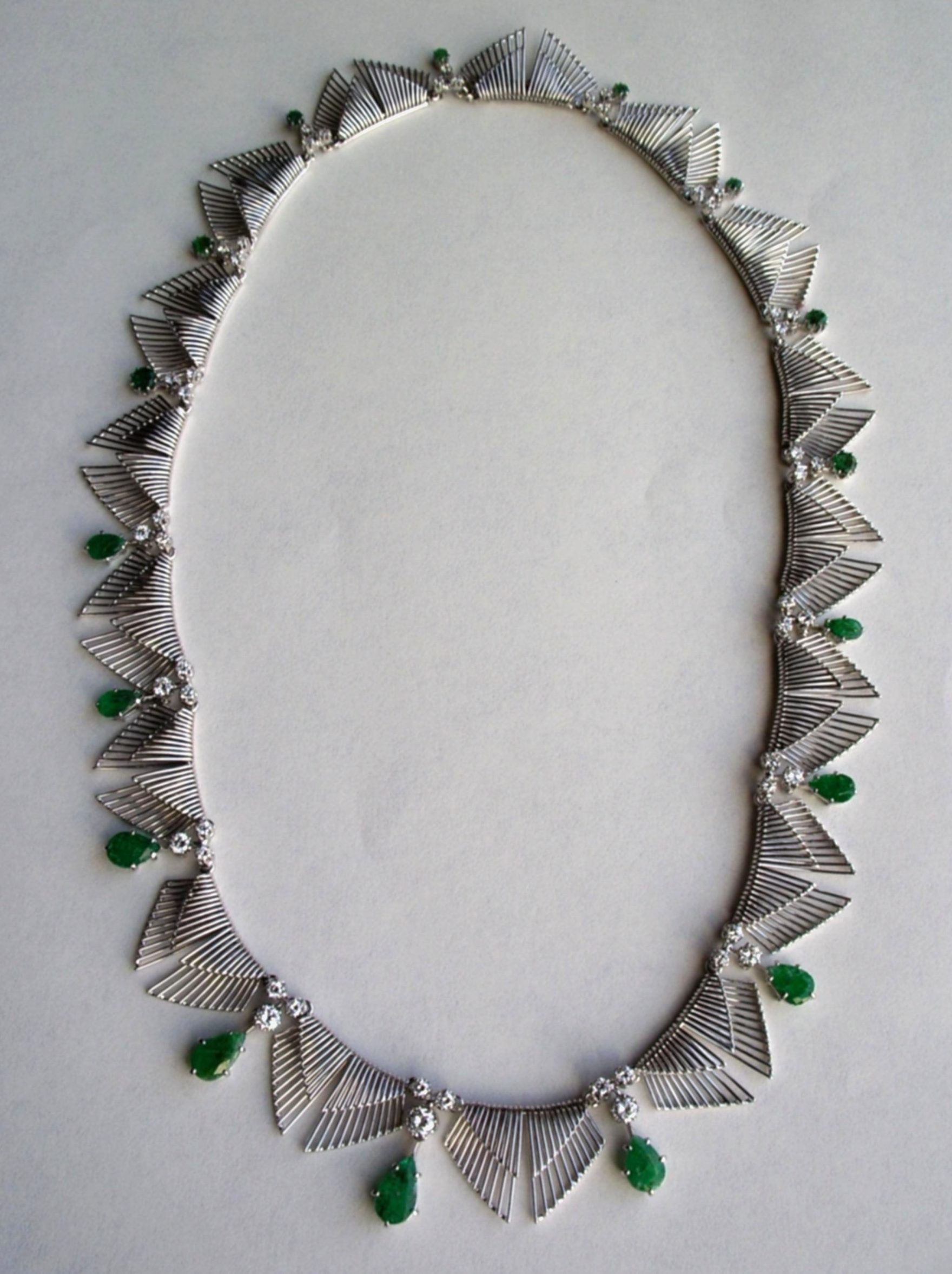 Archibald Dumbar, halssieraad, 1967-1968. Particuliere verzameling, witgoud, saffier, diamant