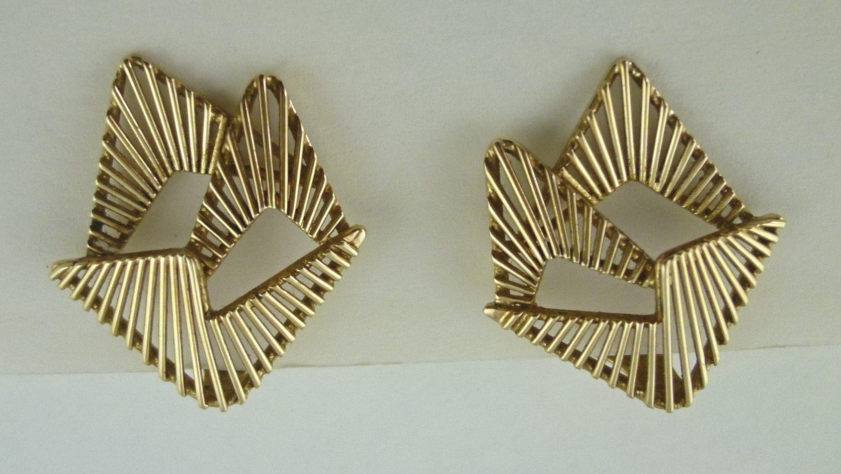 Archibald Dumbar, oorsieraden, 1960-1970. Particuliere verzameling, goud