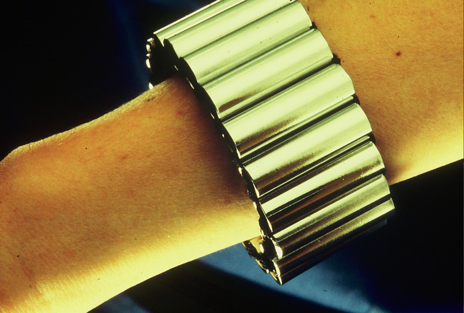 Hans Appenzeller, Serie sieraad, armband, 1974, verchroomd buis