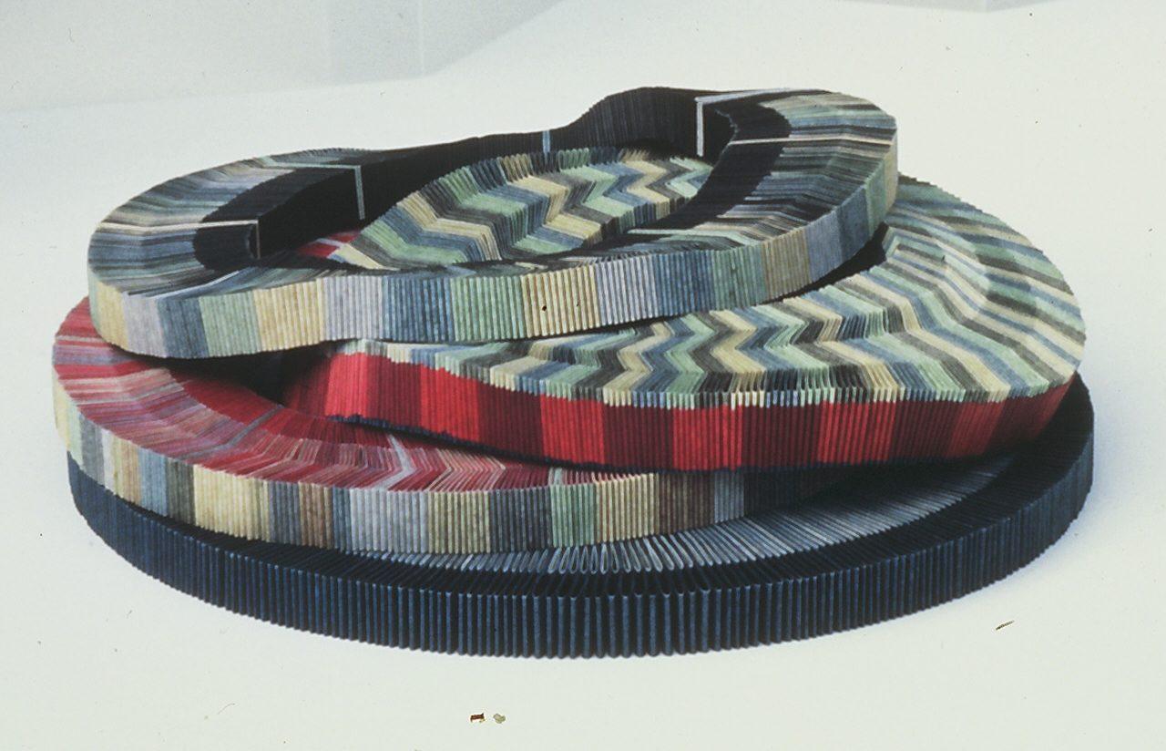 Nel Linssen, halssieraden, 1987, papier