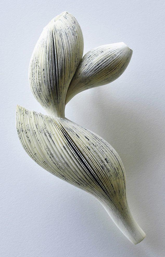 Michihiro Sato, Yearning, broche, papier, zilver, roestvrij staal, verf