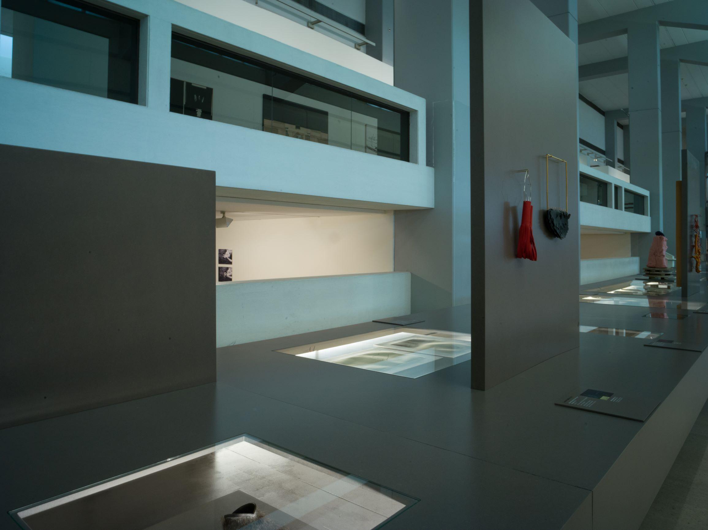 Contemporary Jewellery in Portugal/Joalharia Contemporânea em Portugal, 2019. Foto Catarina Gomes Ferreira, tentoonstelling