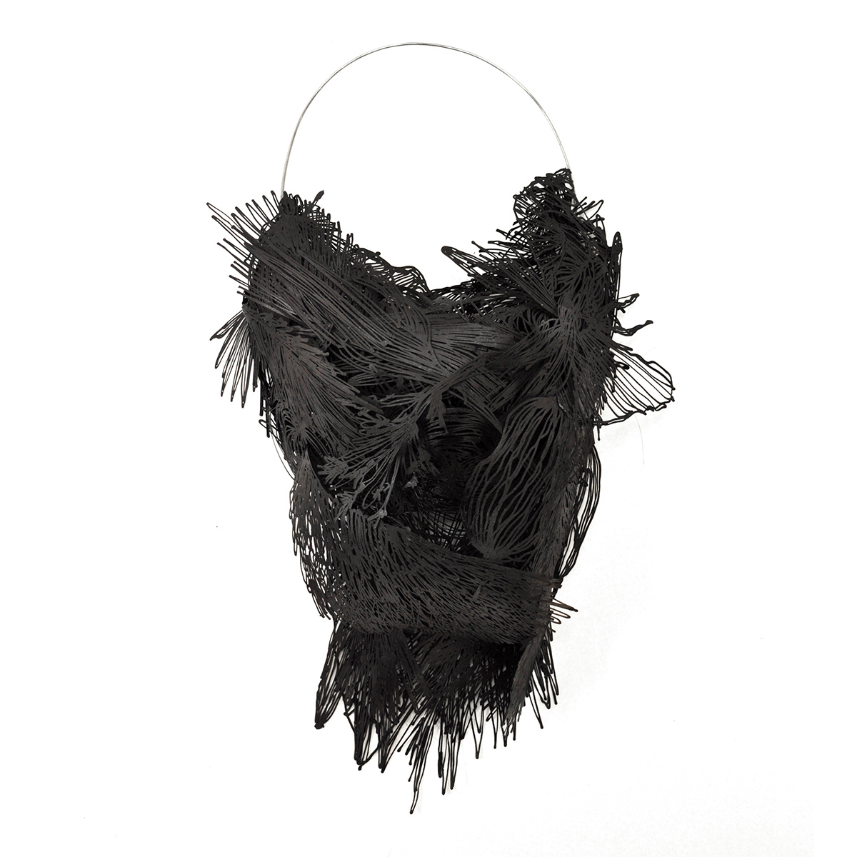 Sofia Björkman, What has the bird done?, halssieraad, 2016, metaal, staal, verf