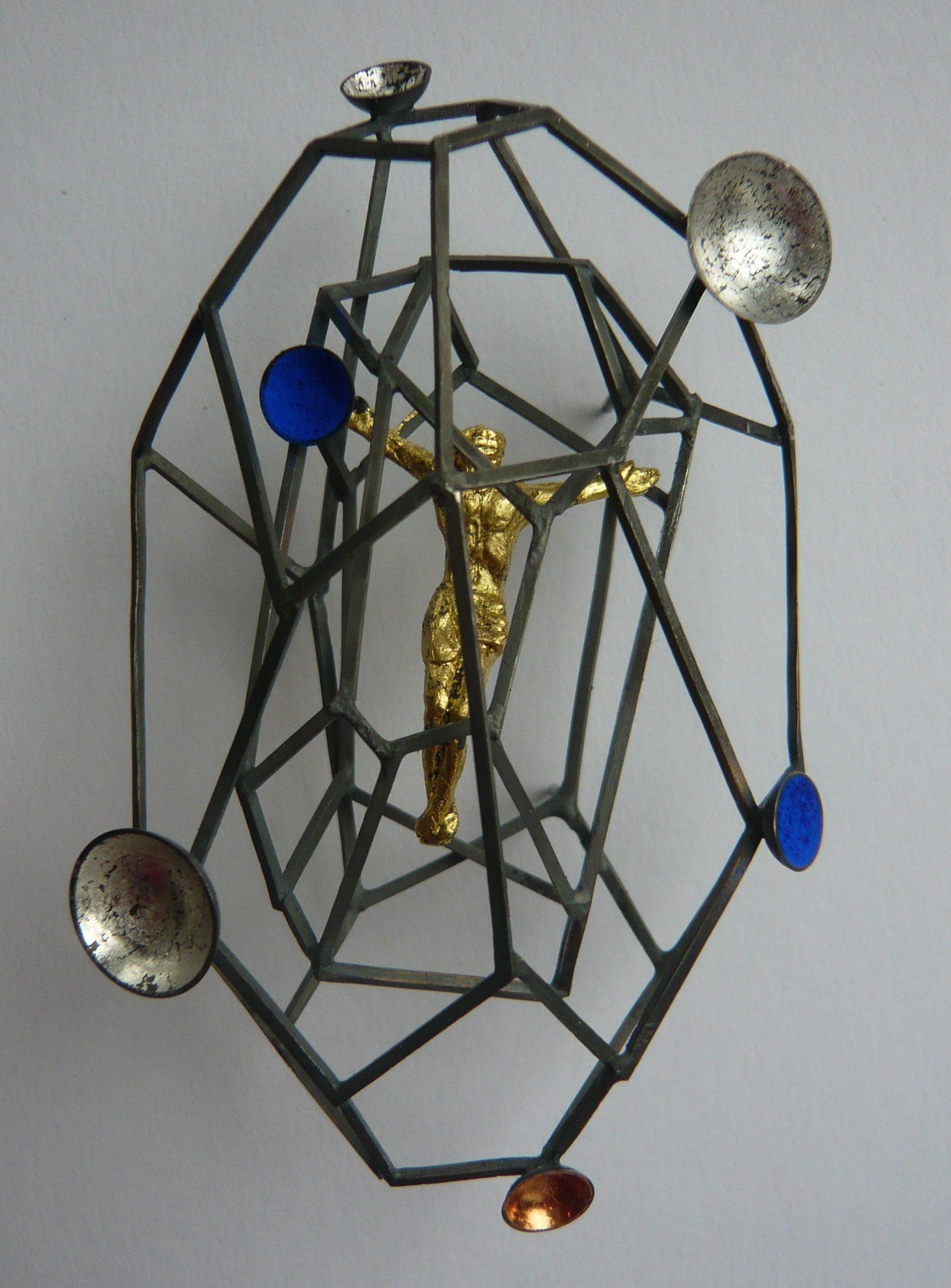 Karol Weisslechner, Cycle Cosmos 4, broche, zilver, pigment, goud