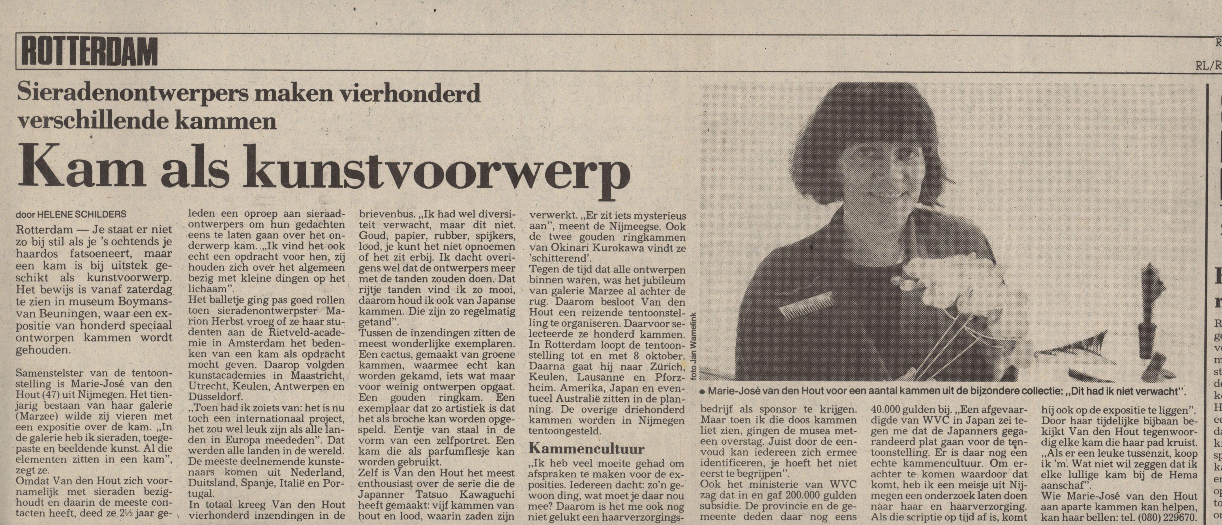Kam als kunstvoorwerp, Rotterdams Nieuwsblad, 1989, krant, Marie-José van den Hout, portret, Gijs Bakker