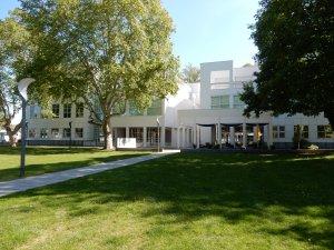 Museum Angewandte Kunst, Frankfurt. Foto Coert Peter Krabbe, mei 2019, exterieur, gevel