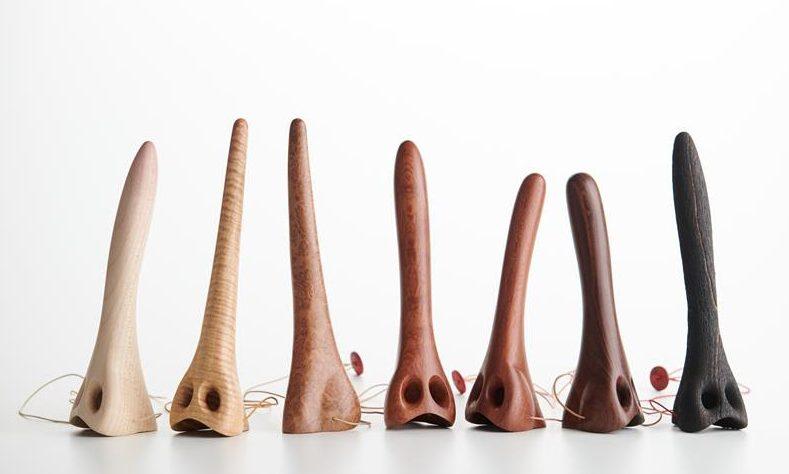 David Bielander, Pinocchio's Reality, halssieraden, 2020, hout, koord