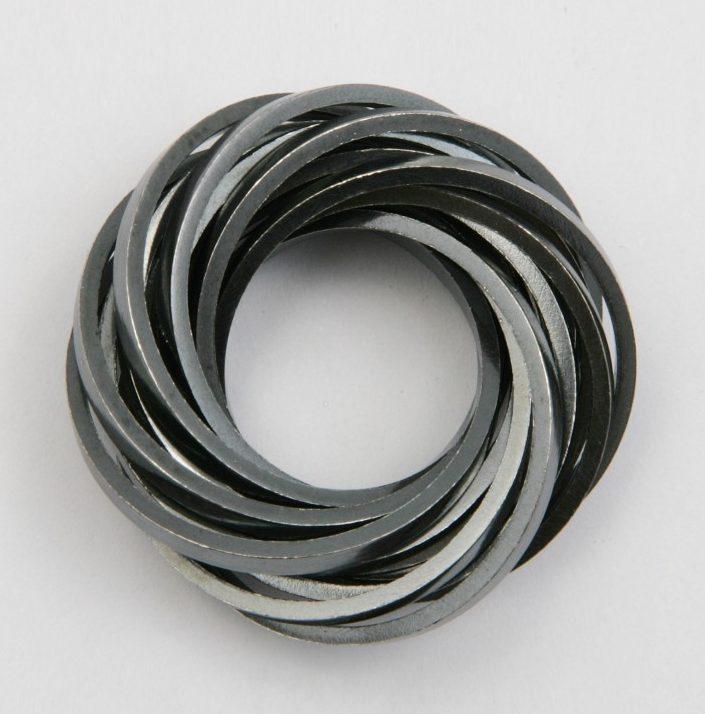 Claude Schmitz, Rolling Ring, metaal