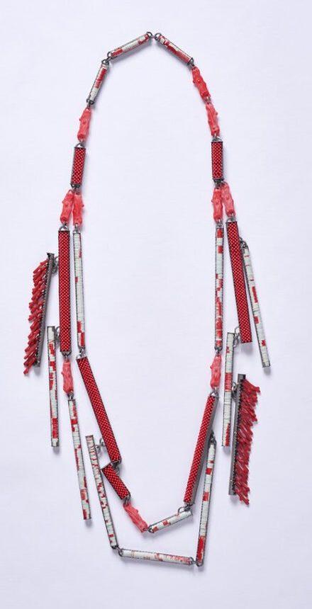 Helen Britton, Coral Sea Necklace, halssieraad, 2019, zilver, plastic