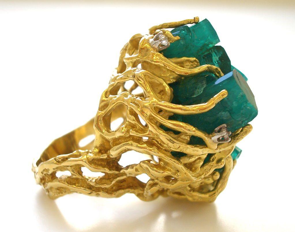 Ring, circa 1970. Foto Kimberly Klosterman, goud, smaragd, diamant