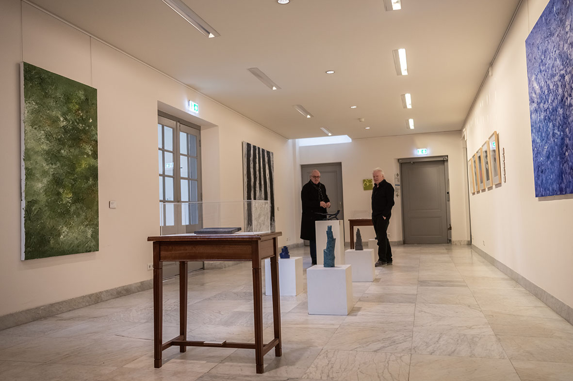 Rob de Vries en Robert Smit. Buiten, Paviljoen Welgelegen, Haarlem, 2021. Foto Aldo Smit, portret, schilderij, Armando