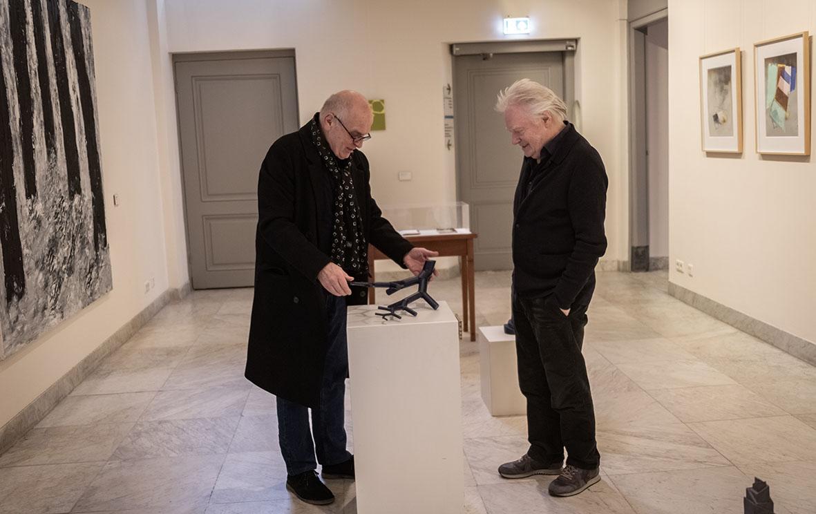 Rob de Vries en Robert Smit. Buiten, Paviljoen Welgelegen, Haarlem, 2021. Foto Aldo Smit, portret