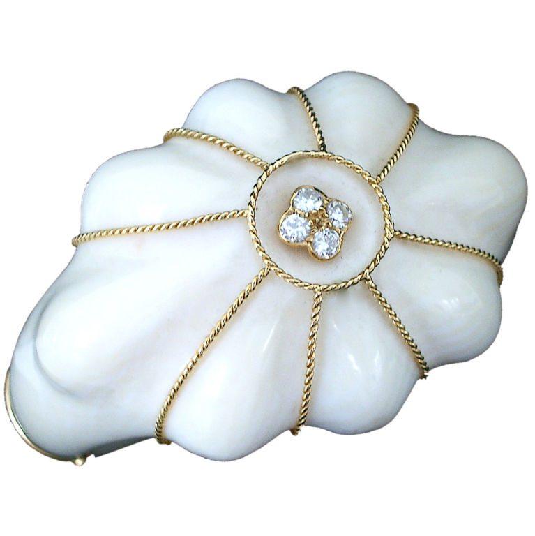 Armband, Frankrijk, circa 1960. Foto Kimberly Klosterman, ivoor, diamant, goud