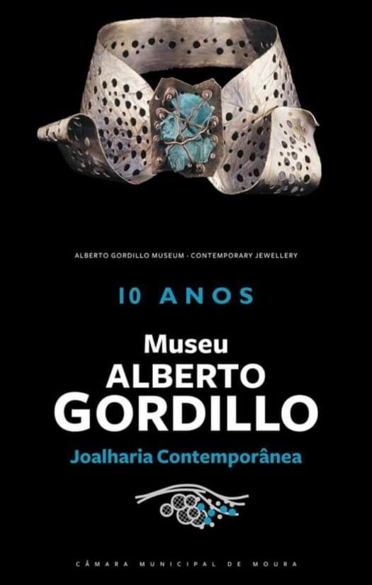 Poster voor het tienjarig jubileum van Museu Alberto Gordillo, halssieraad, 1958