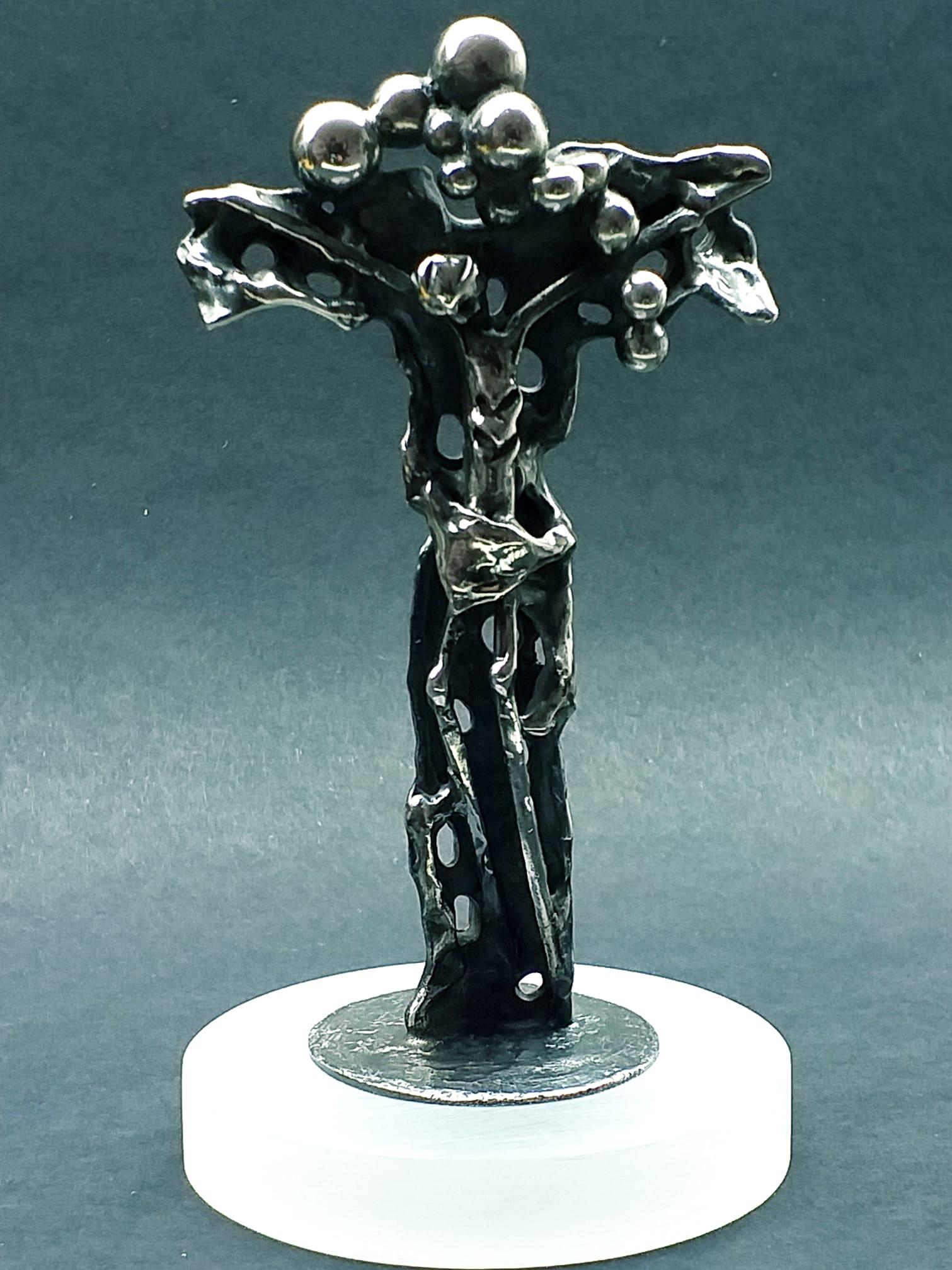 Alberto Gordillo, Christus aan het kruis, sculptuur, zilver