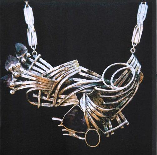 Alberto Gordillo, halssieraad, zilver, parelmoer, lapis lazuli