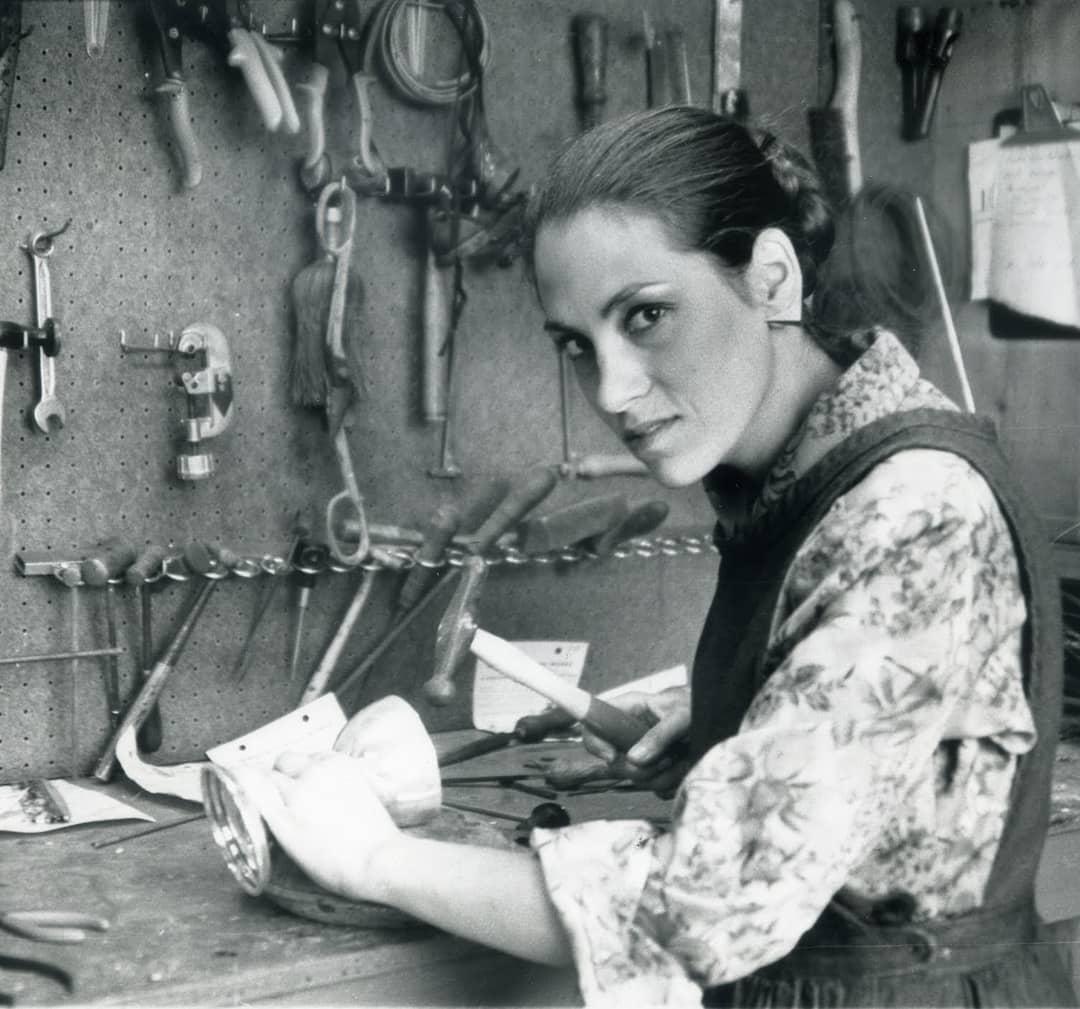Harriete Estel Berman aan het werk, portret