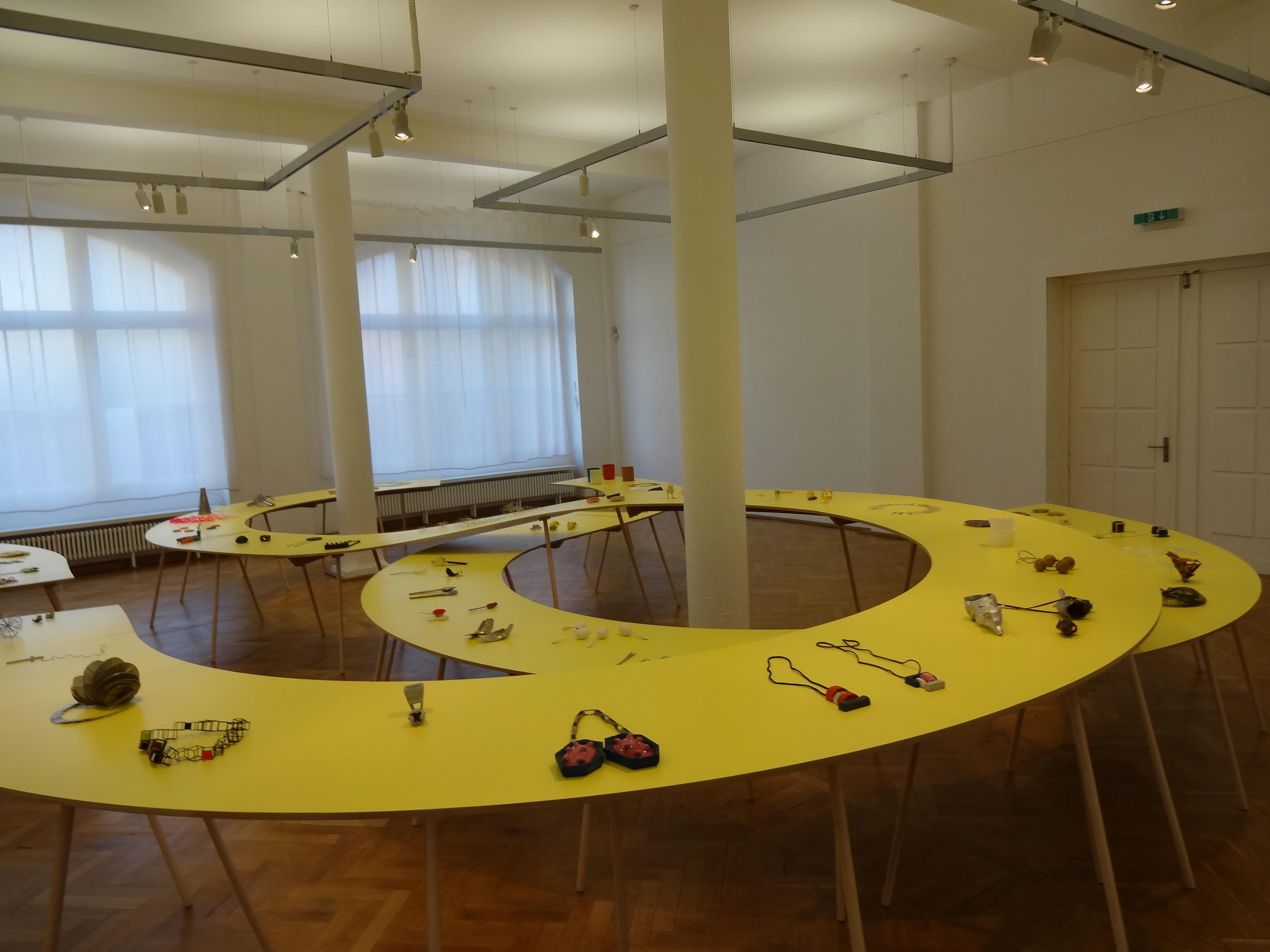 Säge Stein Papier, Burg Galerie im Volkspark, 2012. Foto Daniel Kruger, tentoonstelling Halle