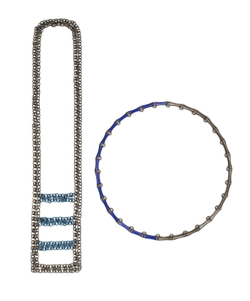 Carlier Makigawa, halssieraden, 2019, zilver, monel, niobium