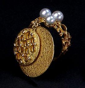 Gerda Flöckinger, #920A, ring, goud, diamanten, parels