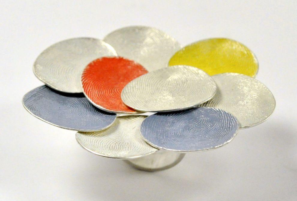 Gerd Rothmann, Blau Rot Gelb, ring, 2021, zilver, pigment