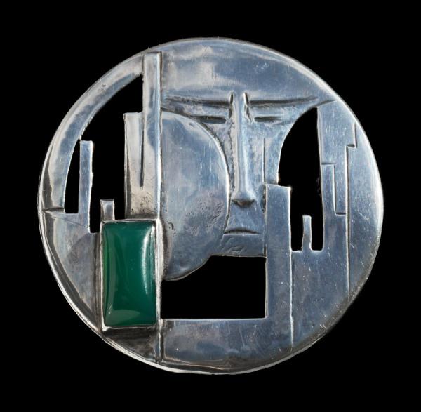 Cris Agterberg, broche, circa 1930. Foto Tadema Gallery, zilver, chalcedoon
