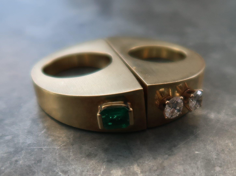 Karel Niehorster, ring, 1991. Particuliere collectie. Foto Coert Peter Krabbe