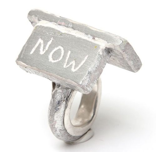 Paul Adie, Decide now, ring, 2020, zilver, aluminium