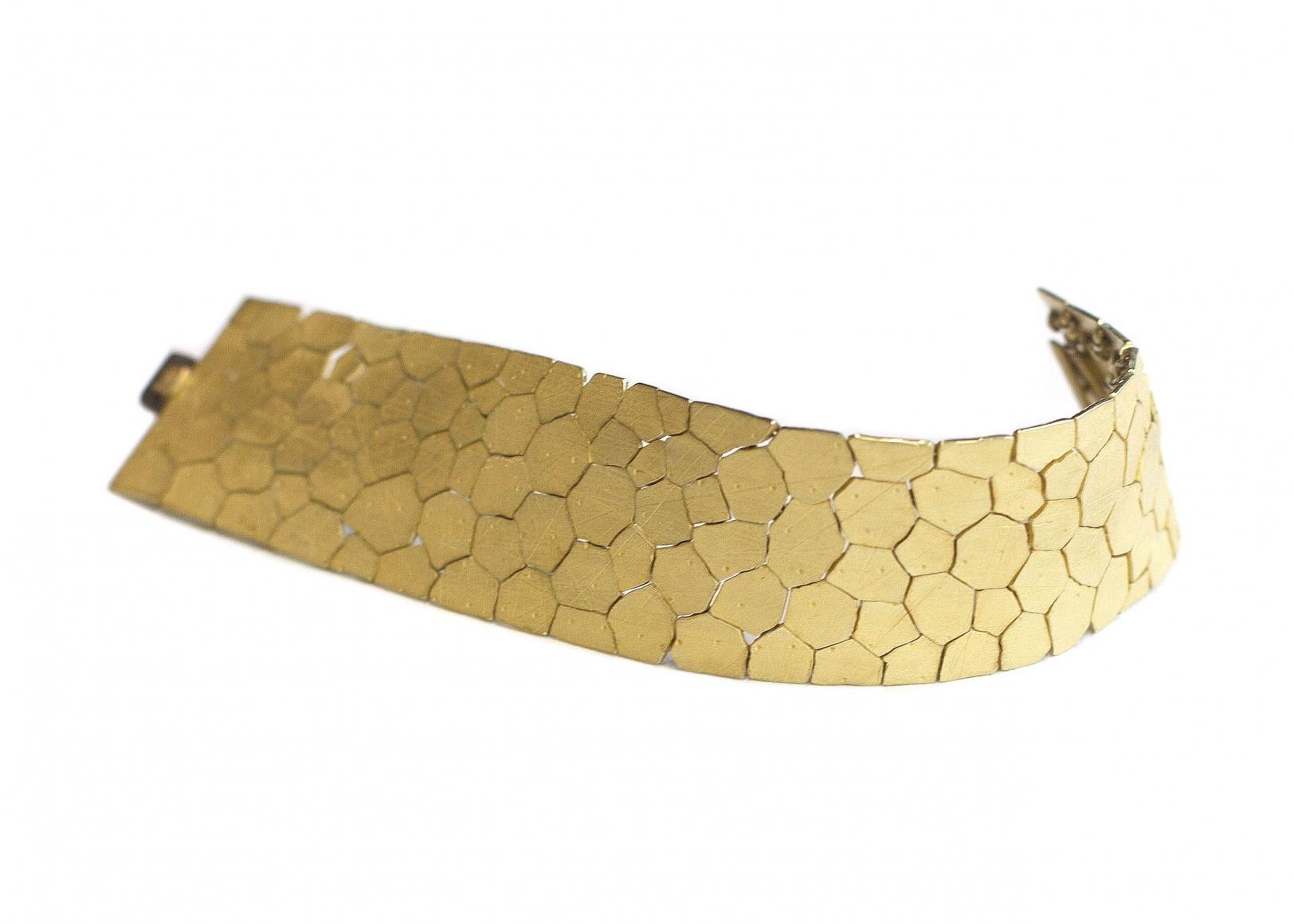 John Iversen, True Grid II, armband, 2020, goud