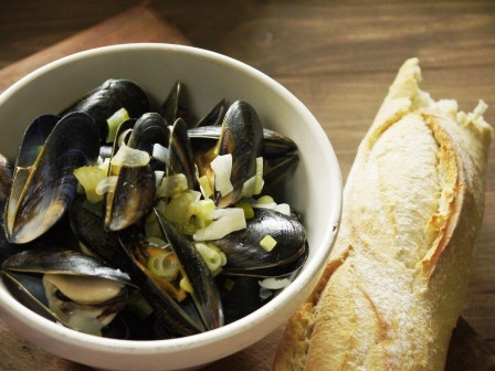 Moules marinieres and french bread