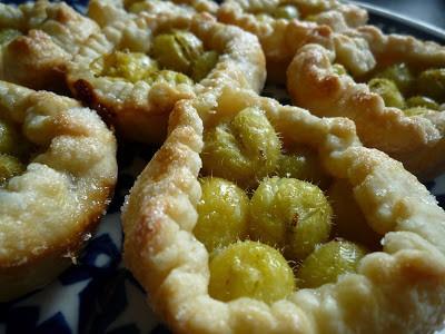 5 min gooseberry tarts