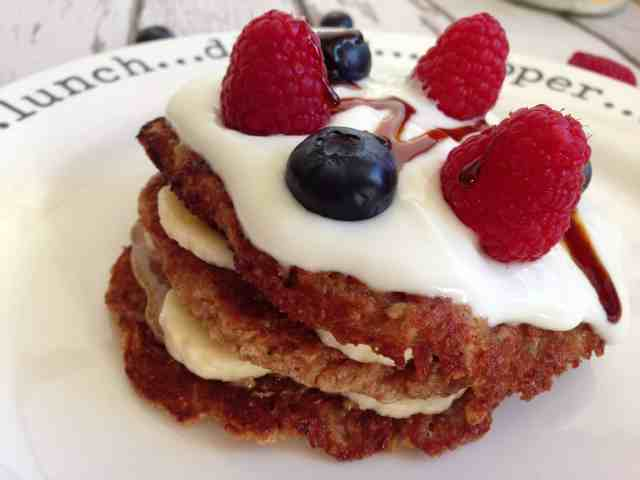Clean eating diet: Oats pancakes - click on the image to get the recipe