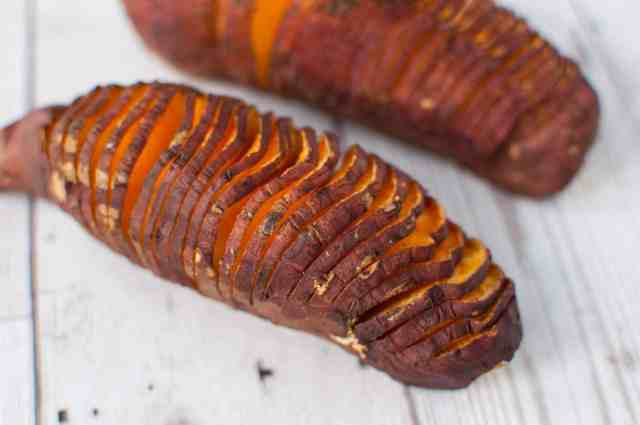 Hasselback sweet potato with guacamole recipe is super easy, delicious and healthy lunch or dinner idea. Only few ingredients to cook a wholesome meal.